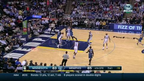 Gotta See It: Bennett flying high in T-Wolves debut